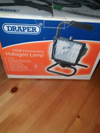 Draper 500w freestanding halogen lamp