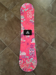 K2 Snowboard pink and pastel 13 in, 33 cm centered