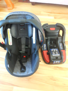 Britax bucket seat with base- great condition!