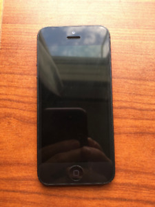iPhone 5 Black 16 GB - Terrific Condition!