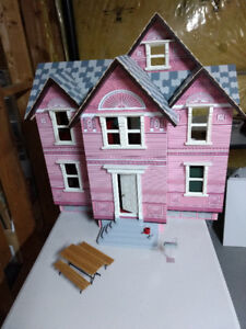 Melissa and Doug Victoria Doll House