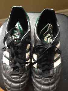 Adidas soccer cleats size 9