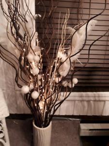 Vase décoratif avec lumière blanche