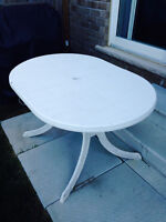 Free outdoor plastic table