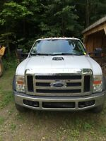 2008 ford f550 4x4 diesel 205km in excellent condition