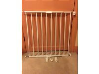 Lindam extending safety gate