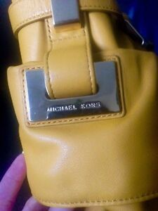 Authentic Michael Kors Mustard Leather shoulder bag Strathcona County Edmonton Area image 3