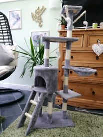 Cat tree/scratching tower