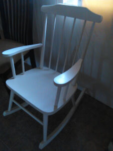 Cats Crafts . - White wooden Kids Rocker $ 25 Open to offers
