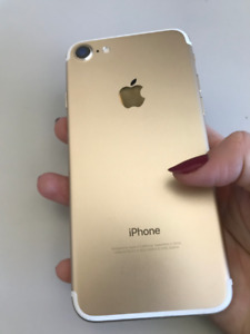 Unlocked Gold iPhone 7 Great Condition $300 OBO