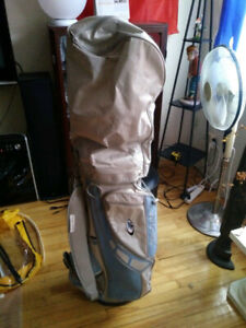 GOLF BAGS/CLUBS-LOOK PICTURES AND DESCRIPTION. 3-5-10$ EACH