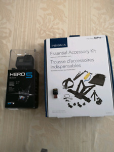 Go Pro Hero 5 and Accessories Kit