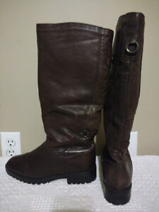 """College"" Woman's Leather Boots From Proude's Shoes NWOT"