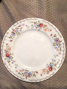 Royal Albert - Jubilee Rose China Set