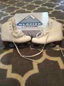 "Girls figure skates - size 13 ""like new"" Kitchener / Waterloo Kitchener Area image 1"