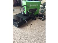 Xbox one 500gb games and headset