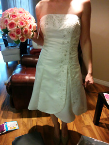 Wedding dress's all size small size 2 or 4