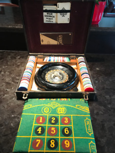 VINTAGE ROULETTE + PLAYING CARD GAME KIT IN WOOD BOX