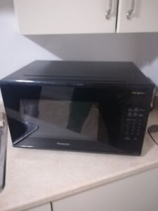 1100W Panasonic Microwave