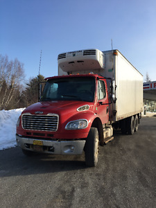 2008 Freightliner 24' Reefer body