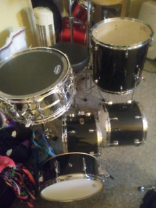 Pearl forum series shell or kit w. Extras