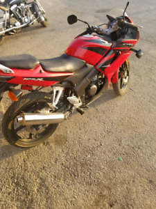2008 HONDA CBR 125 - VERY CLEAN - CERTIFIED AND READY TO GO