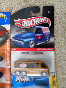 Hotwheels Delivery Bell GMC Motorhome Bus Diecast R/R