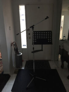 MUSIC STAND AND MICROPHONE STAND Combined