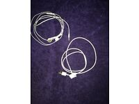 iPhone 4/4s Authentic Apple Headphones And 2x Charge Cable