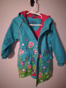 4T raincoat great condition from children's place. 5$
