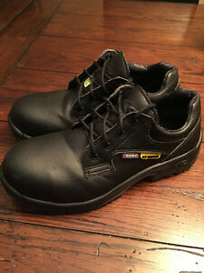 Green Tag Safety Shoes Slip On
