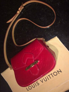 Louis Vuitton Bellflower PM Shoulder Bag Red Vernis Leather