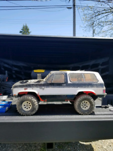 Modified vaterra ascender K5 2x 3s lipo and charger