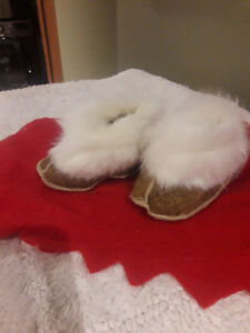 BABY SHEEPSKIN SLIPPERS/BOOTIES