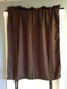 For Sale: 1 Brown Valance