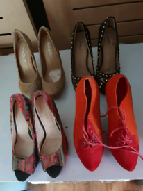 High heel shoes 4 pairs Size 5