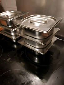 """4 New 1/6 4"""" deep gastronorm pots with lids"""