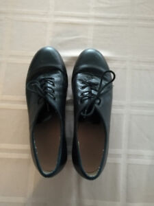 Girl/Woman size Tap shoes for Sale Size 9.5 - $4
