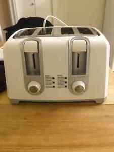 Black and Decker 4 slot toaster