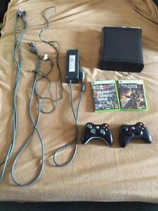 Xbox 360 elite!mint condition with 2 controllers