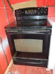 Glass top self-cleaning convection oven