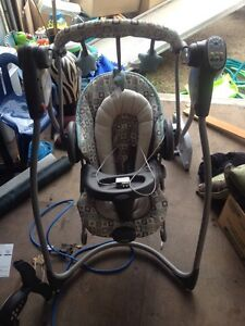 Graco swing and bouncer combo $100.00 obo
