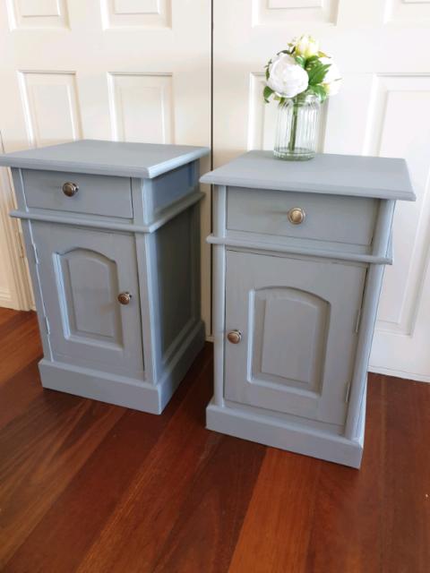 Light Grey Bedside Table: 2 X Bedside Tables Light Grey