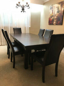 Solid wood 7 pieces dinning set/$950 OBO