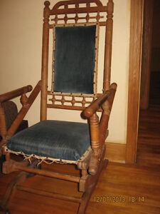 Chaise Berçante Antique / Lovely Antique Rocking Chair