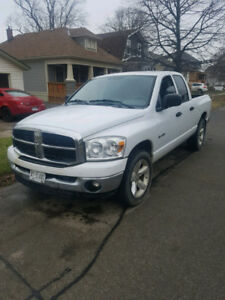 PARTING OUT DM ME ....2008 DODGE RAM QUAD CAB NICE DRIVING TRUCK