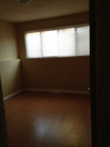 1749-14th Ave SE #3! Cozy 2 Bedroom 4-Plex in Crestwood!