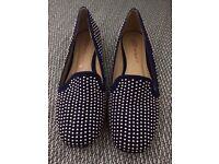 Female shoes size 5