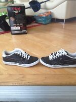 REEBOK CLASSICS, IN GOOD CONDITION, SIZE 9.5