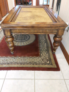 HARDWOOD COFFEE TABLE VINTAGE WICKER TABLE
